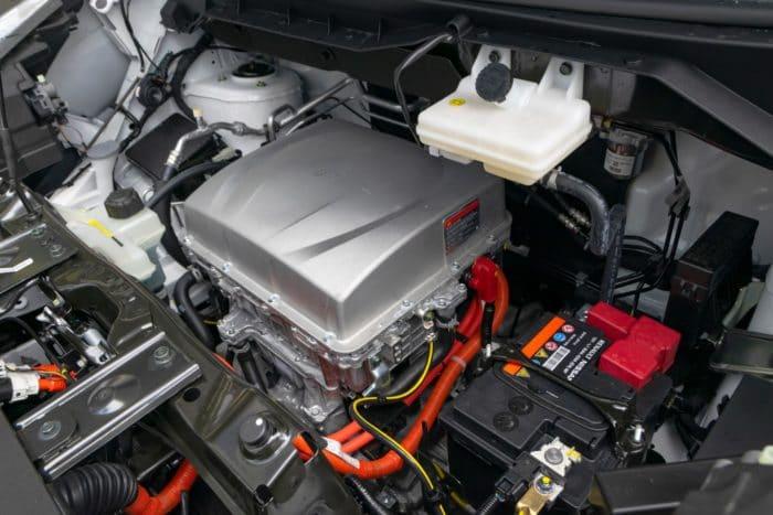 Elektromotor in einem modernen Auto: Die Anforderungen an den Korrosionsschutz der verbauten Komponenten steigt.