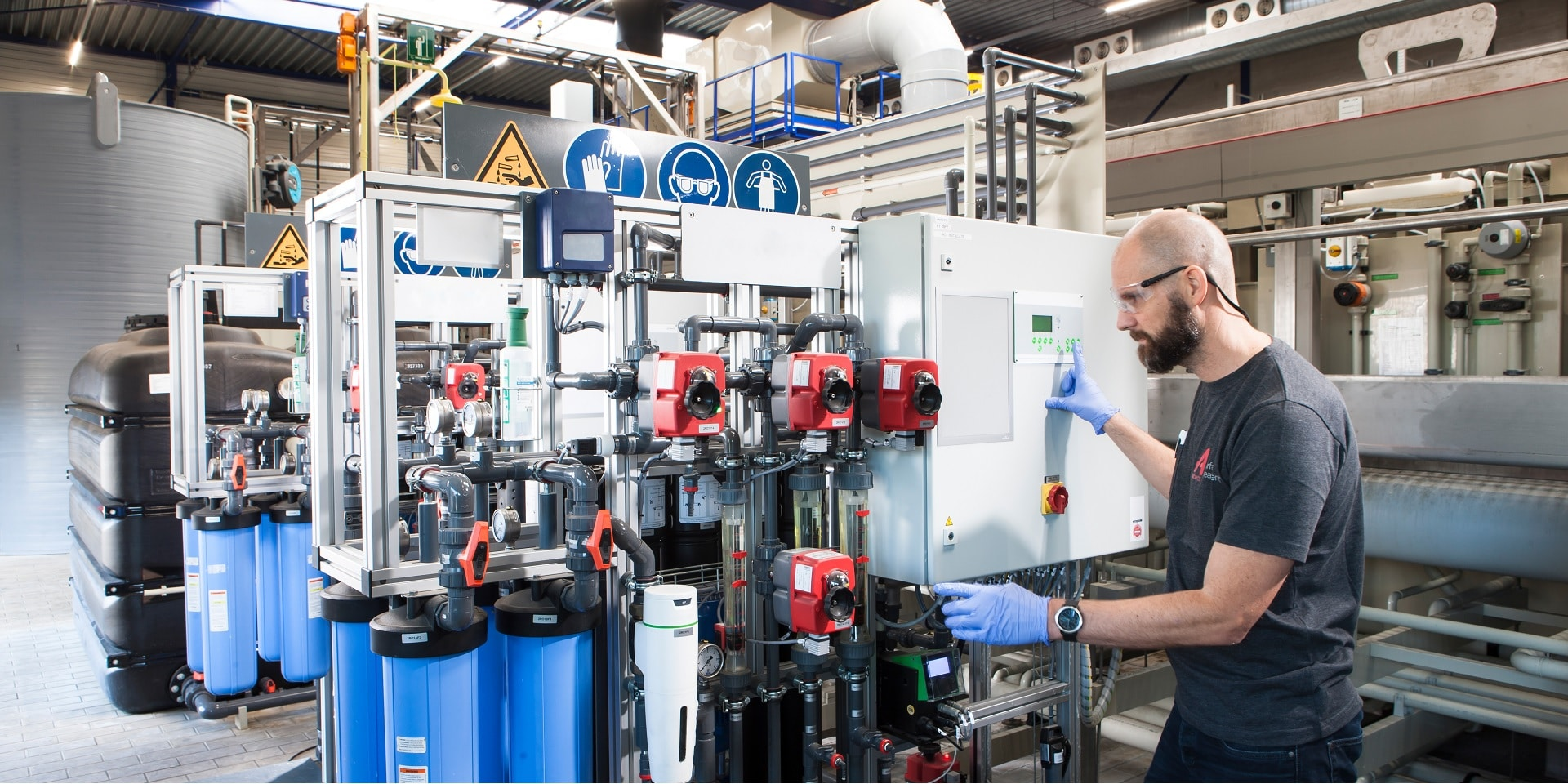 Process control at a reverse osmosis plant.